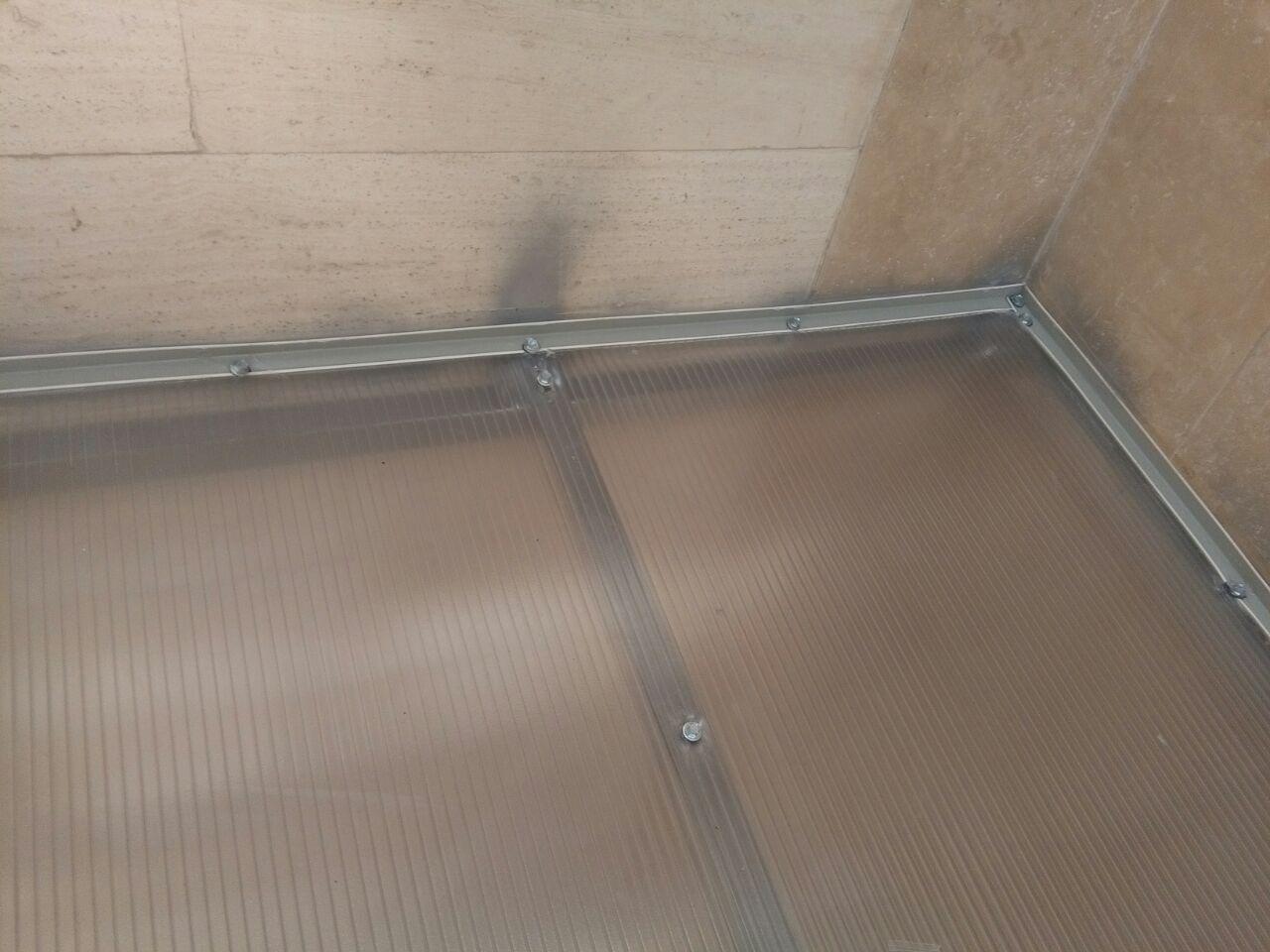 نحوه آب بندی سقف پلی کربنات